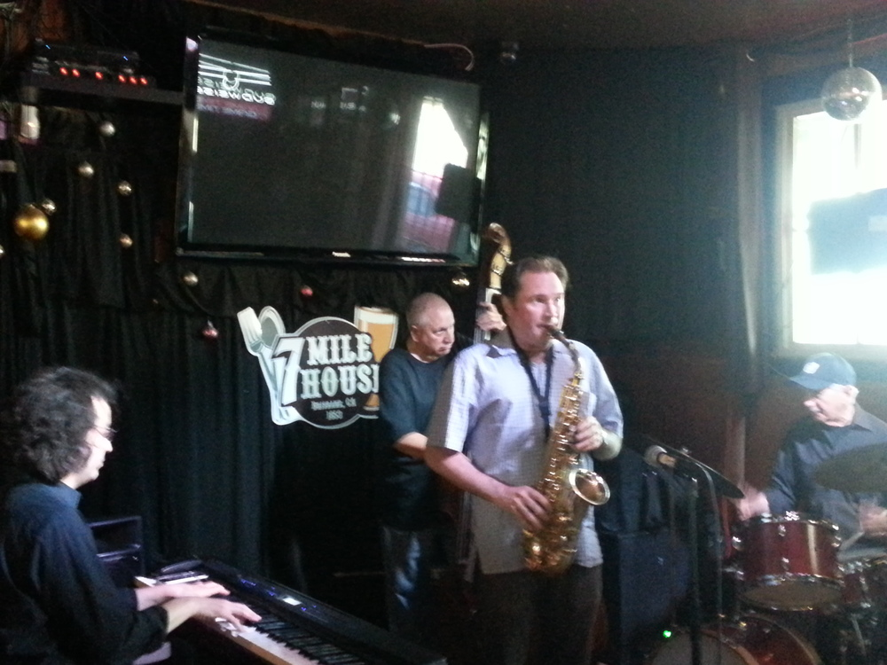 July's First Jam: Ben Stolorow, Peter Barshay, Andrew Speight, & Vince Lateano. (Photo by Quensella MIller)