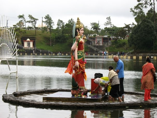 A Sunday pilgrimage to Ganga Talao for some Mauritian Hindus. It was really interesting to watch.