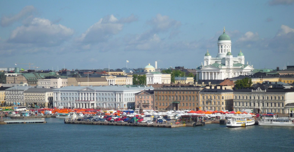 Helsinki Cathedral looks over Market Square. Image credit:  Timo Newton-Syms /Flickr