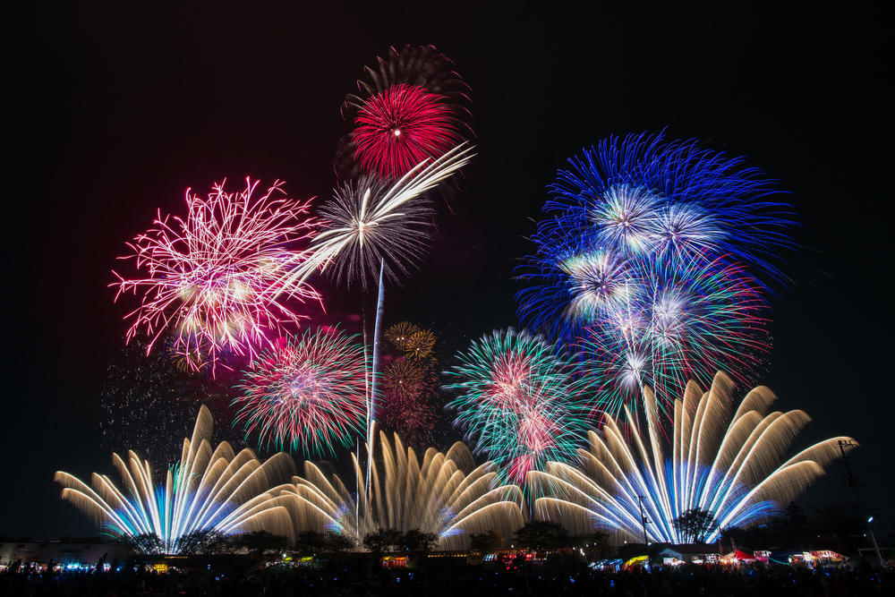 Fireworks are a popular way of ringing in the New Year. Image credit:    peaceful-jp-scenery   /Flickr