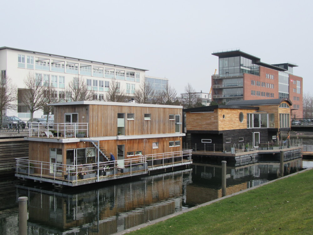 Houses on the water at Malmö's Western Harbour.