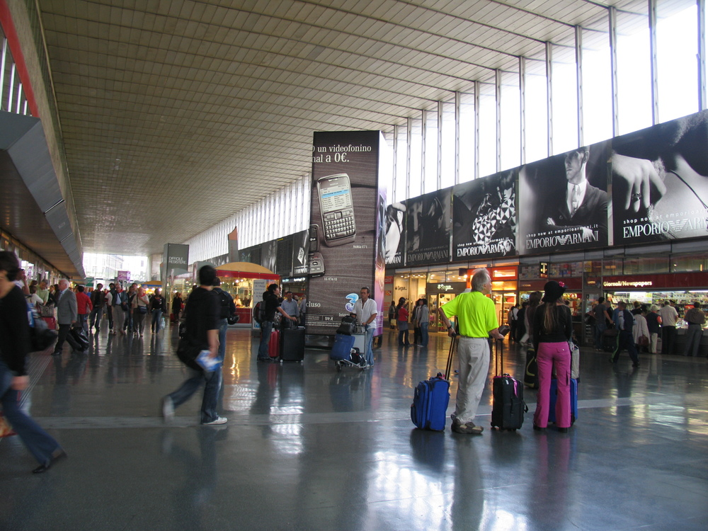 The inside of Roma Termini. Image credit:    Renaat   /   Flickr
