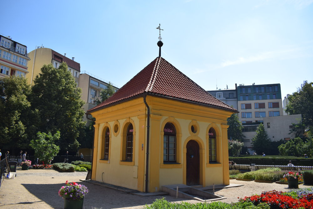 We passed through the Franciscan Gardens on our tour - a small park right in the heart of the city. This old chapel, dating back to the 17th century, is now a boutique.