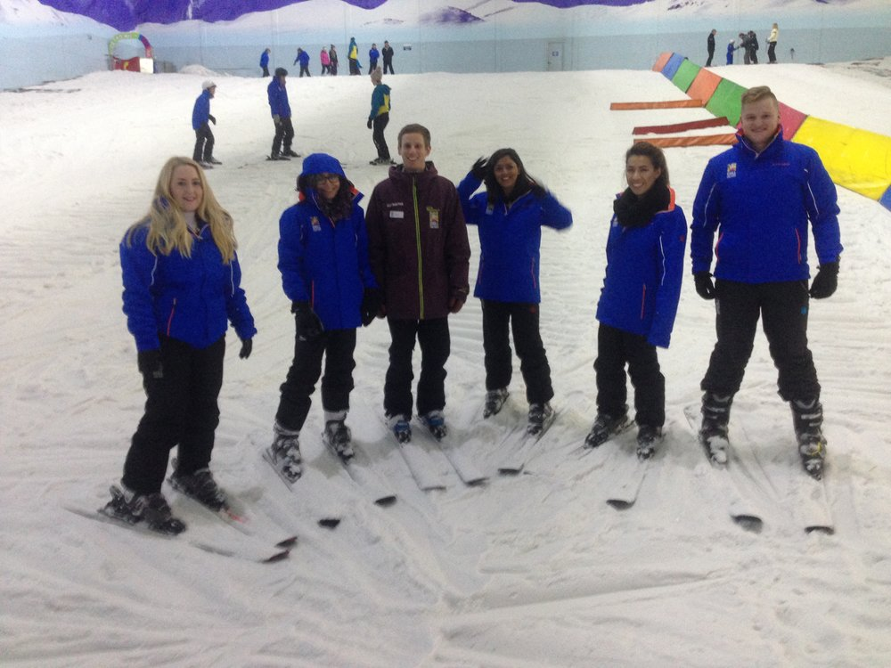 Leanne ( Little Babble ) and Asma ( Jet Set Chick ) also joined us on the beginners' slope.