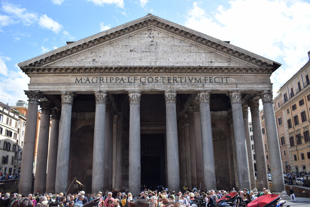 Buildings like the Pantheon have been mocked up so many times, I wondered whether ti was actually a historical building at first!
