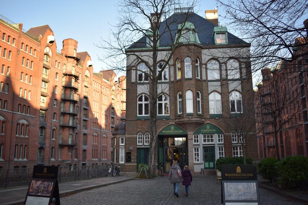 Speicherstadt-Hamburg-Germany-Cafe