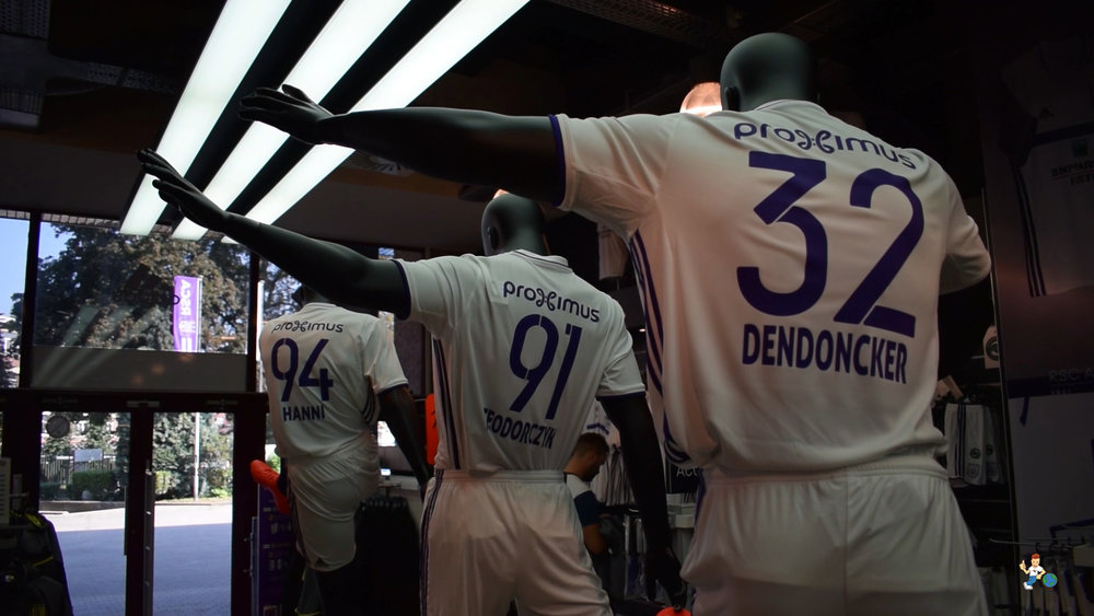 Mannequins modelling Anderlecht's 2016/17 away strip at the official Anderlecht store.