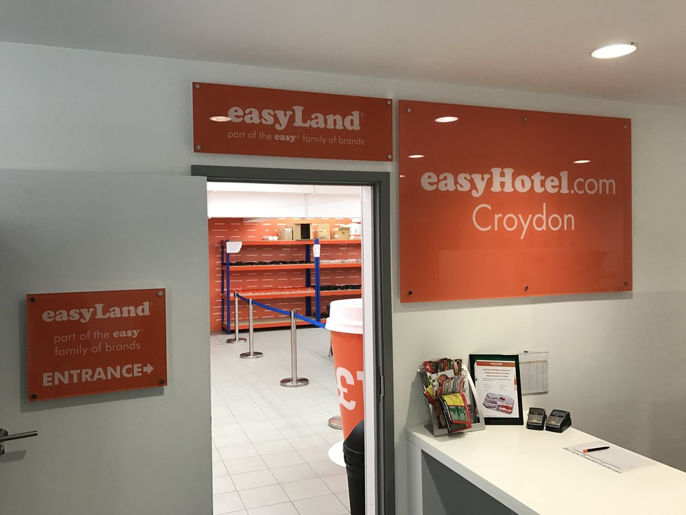 easyLand-Shop-easyHotel-Croydon