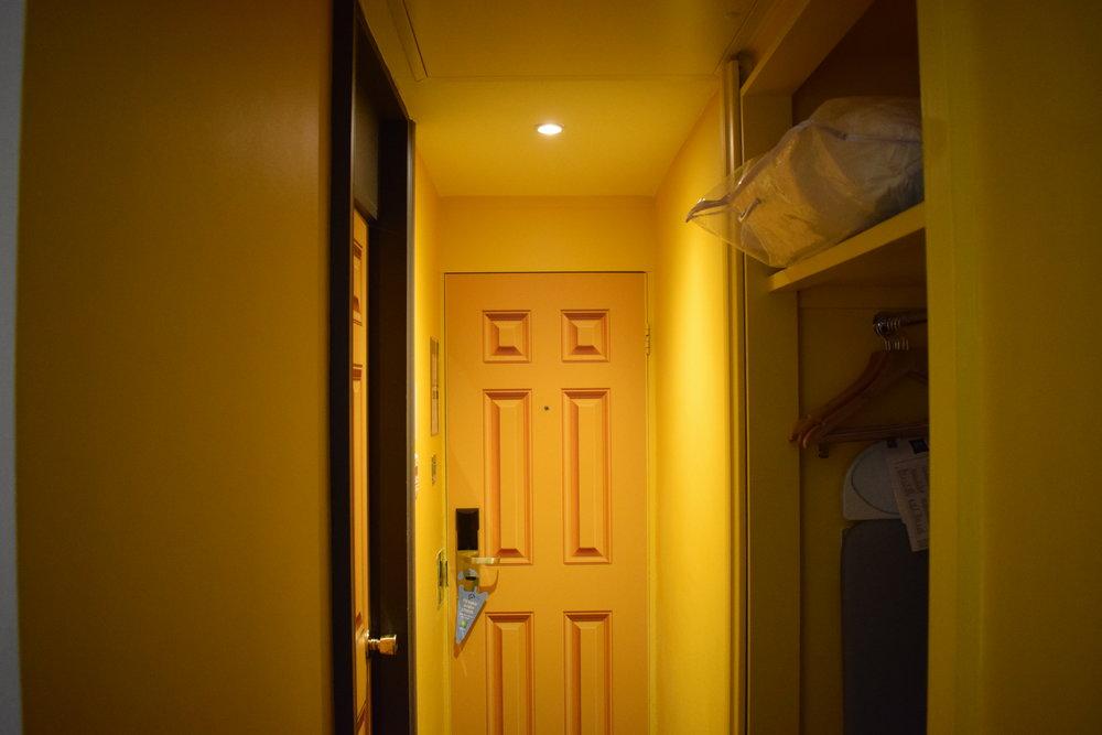 Ibis-Styles-Yellow-Sunshine-Room