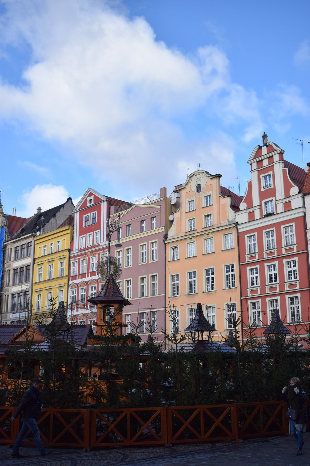 Wroclaw-Market-Square-Colourful-Buildings