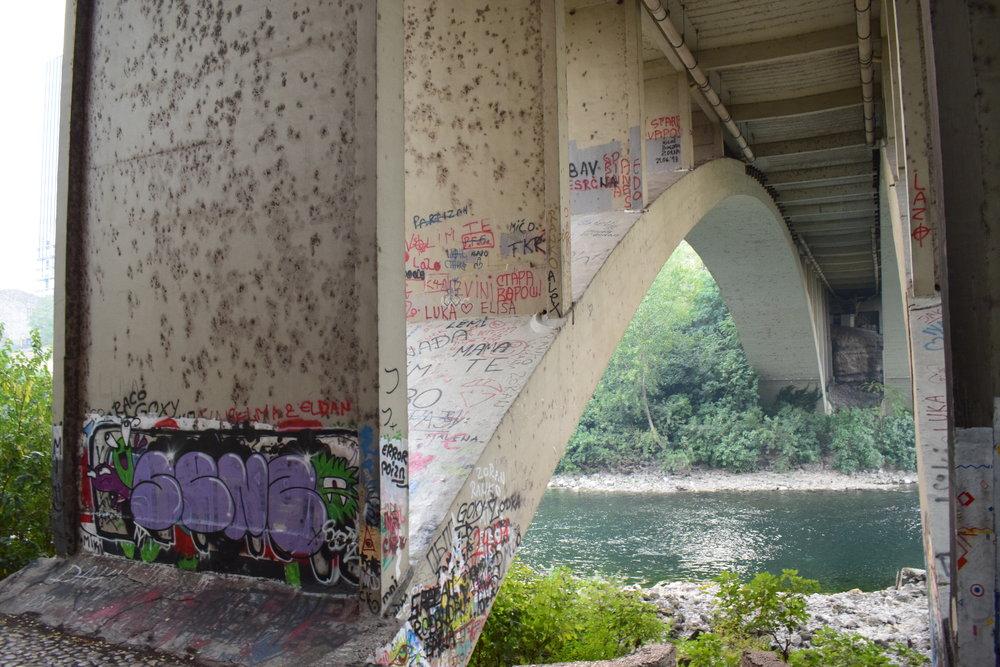 Podgorica-River-Bridge-Graffiti