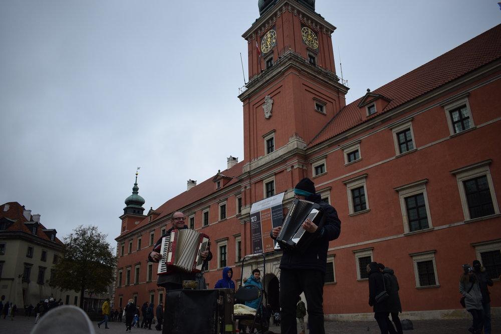 Warsaw-Street-Performers-Accordion