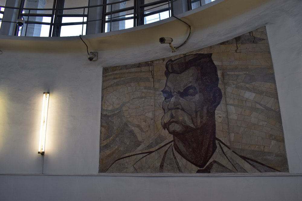 Moscow-Metro-Stalin-Mural
