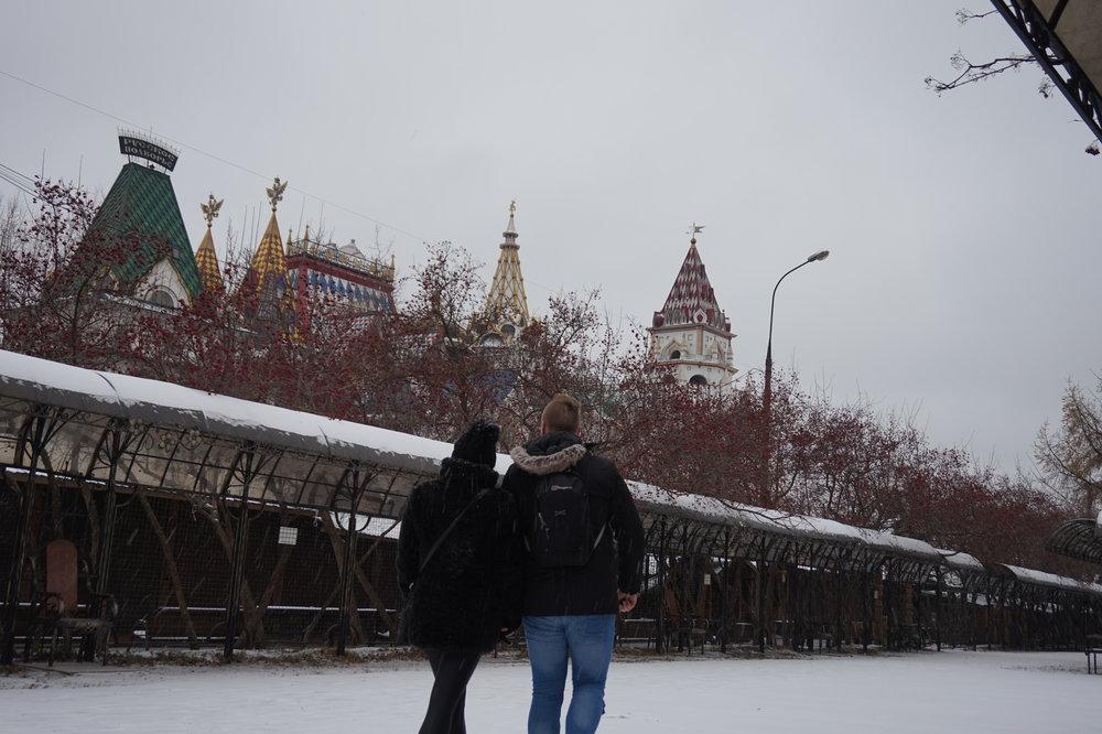 Izmailovo-Izmailovski-Kremlin-Moscow-Tourists