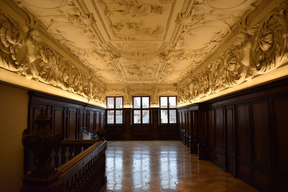 Stadtmuseum-Nuremberg-Germany-Reception-Room