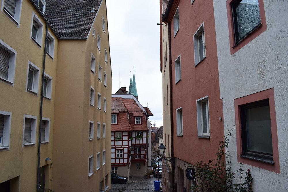 Nuremberg-Street-Colour