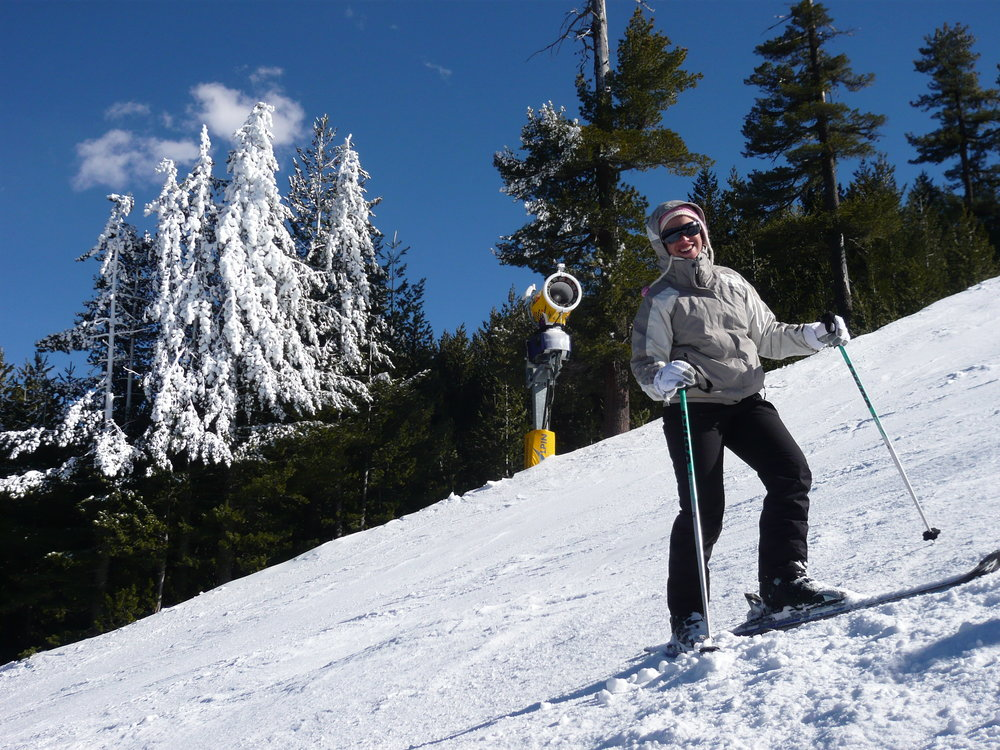 A woman on the slopes in Bansko. Image credit:    Martin Burrow   /   Creative Commons