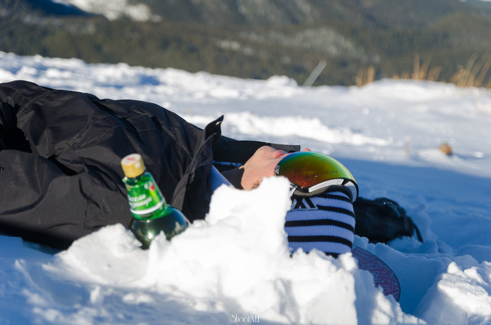 A skiier enjoys a boozy Christmas in Bansko. Image credit:    Michael Evans   /   Creative Commons