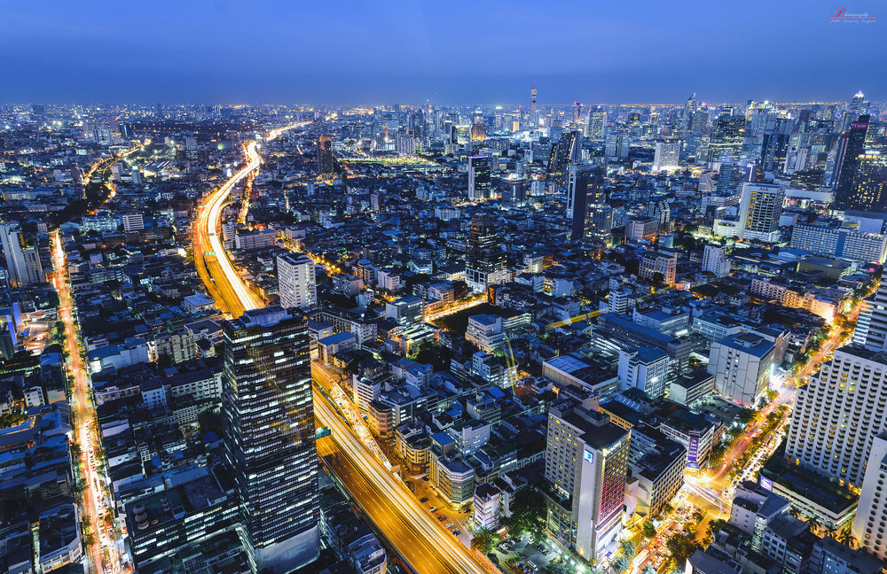 Overlooking Bangkok at night. Image credit:  Pablo Fernández / Creative Commons