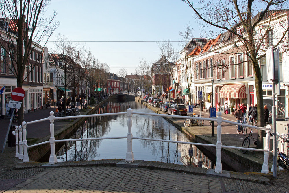 Canals are one of Delft's most beautiful features. Image credit:    whitecat sg   /   Creative Commons