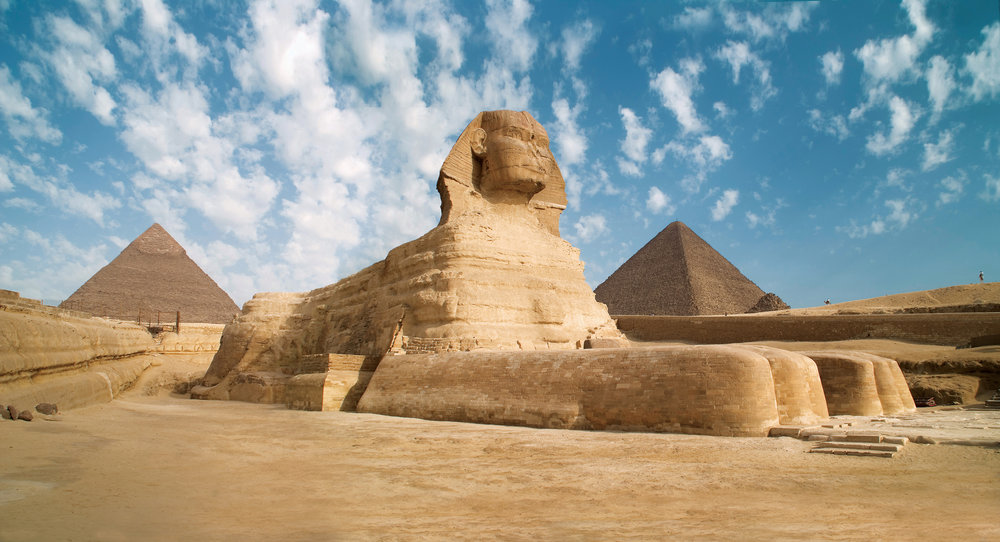 I hope to visit another bucket list attraction in 2019 - the Great Pyramid and the Sphinx. Image credit:    Roderick Eime   /   Creative Commons