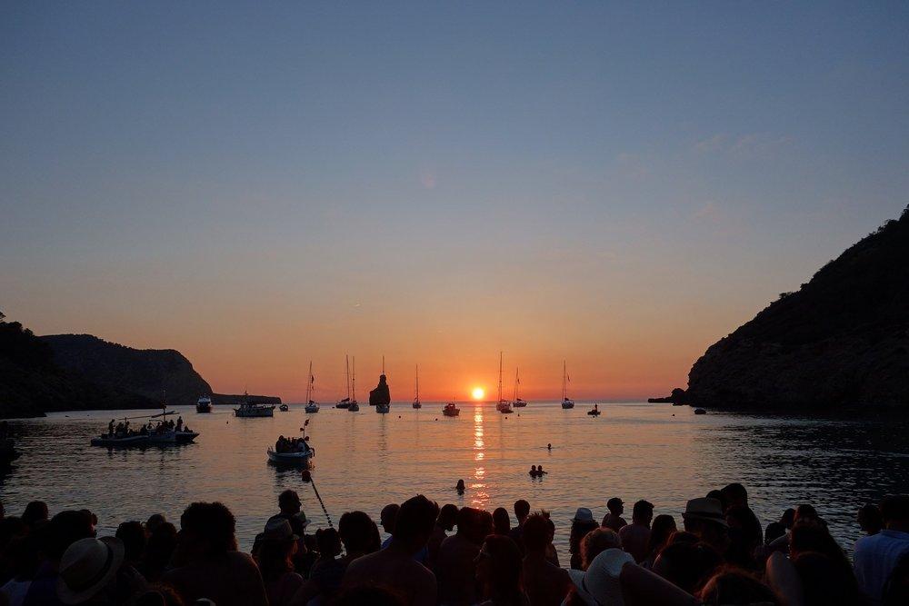 Ibiza-Sunset-Beach-Crowd