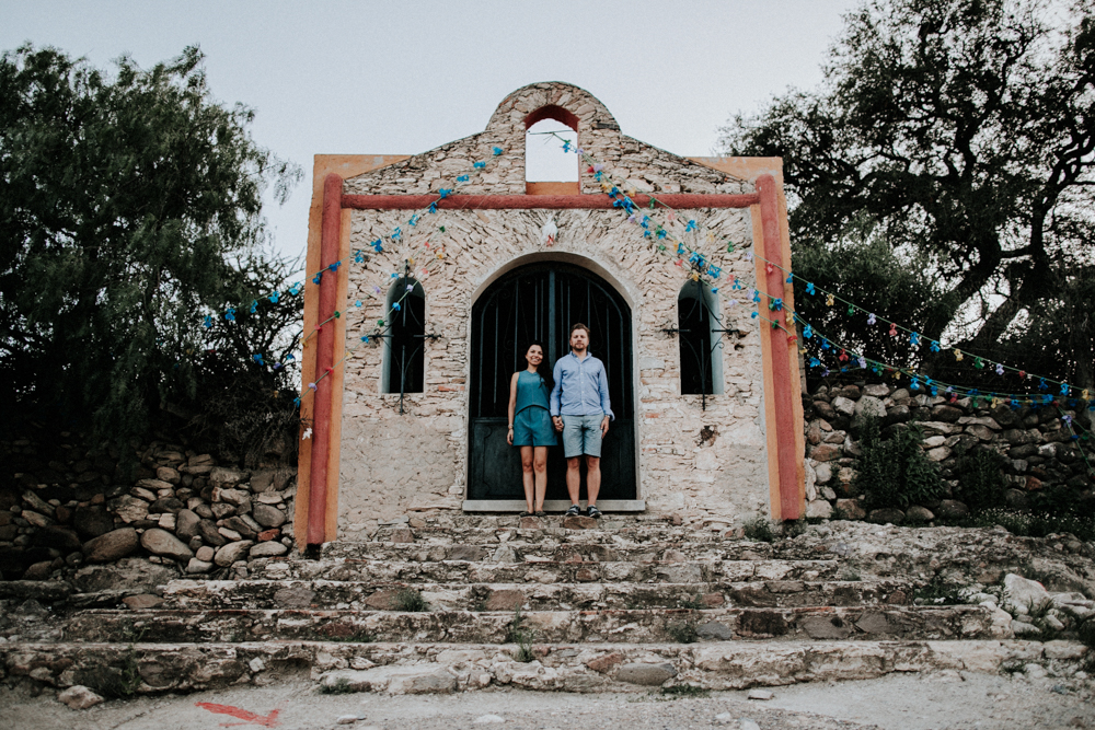 alfonso_flores_destination_wedding_photographer_san_miguel_de_allende_pena_de_bernal035.jpg