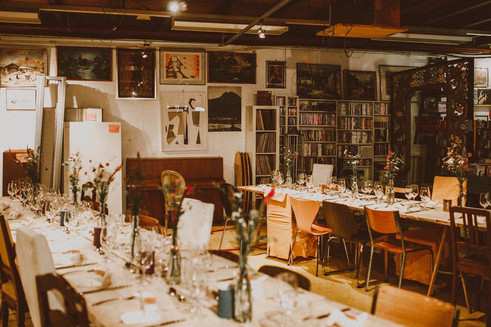 Foto:  A Wild Escape . / Lugar: Arche Brokenhouse & Bistro . De nuestro post: Cecile & Christian // Una boda en una tienda de antigüedades en Zurich, Suiza