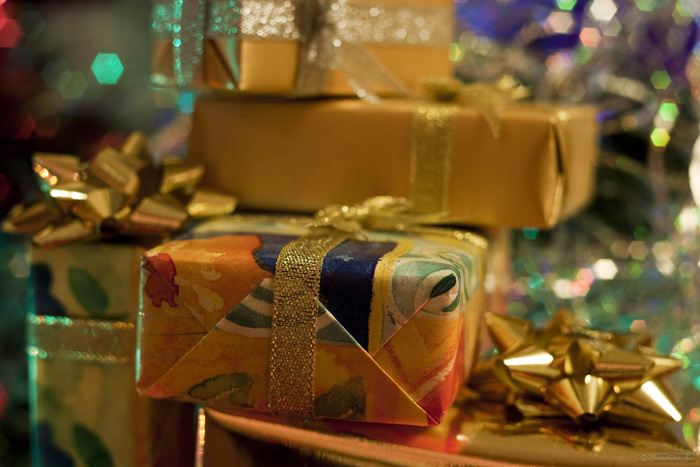 ways to upcycle giftwrap