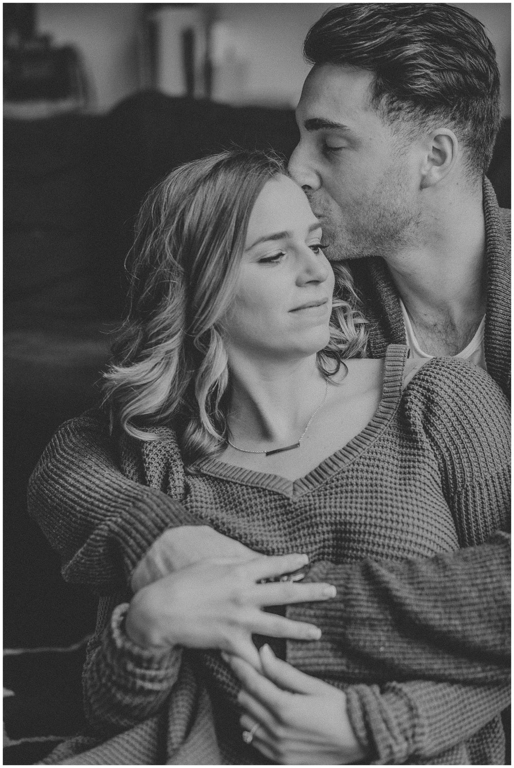 Warm and Cozy Winter Lifestyle In Home Engagement Session_0006.jpg