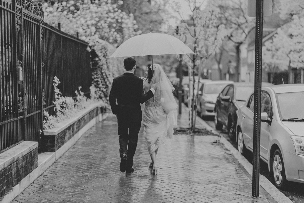 Rainy Urban Wedding in Philadelphia, Pennsylvania
