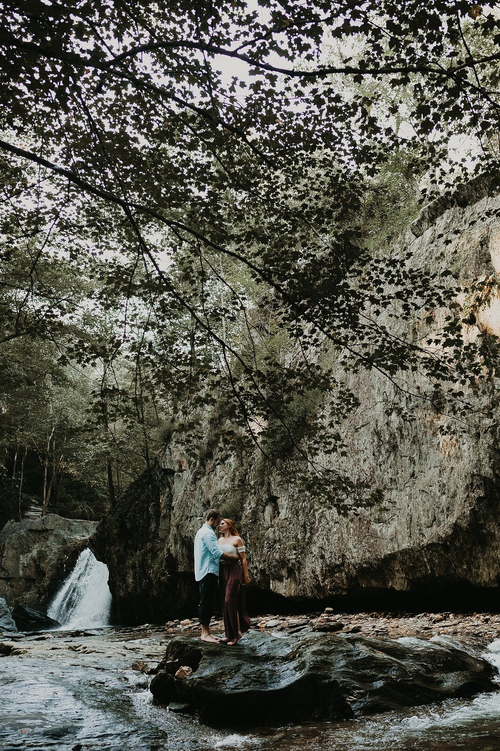 Summer Evening Boho Couples Session at Kilgore Falls Waterfalls in Pylesville Maryland_0019.jpg