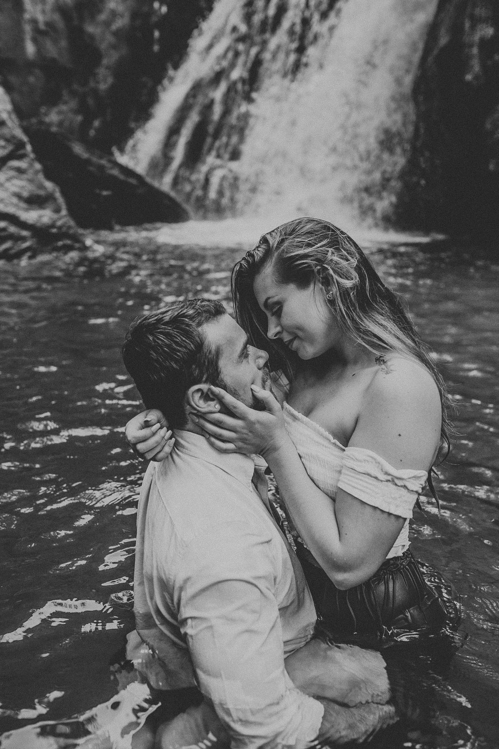 Summer Evening Boho Couples Session at Kilgore Falls Waterfalls in Pylesville Maryland_0050.jpg