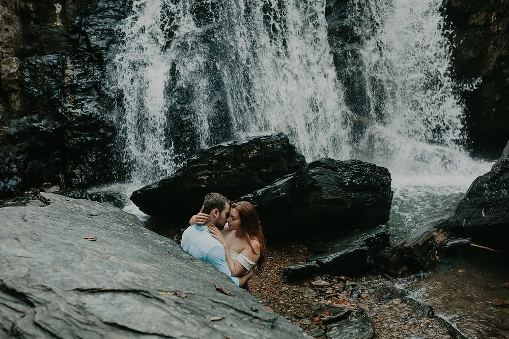 Summer Evening Boho Couples Session at Kilgore Falls Waterfalls in Pylesville Maryland_0061.jpg