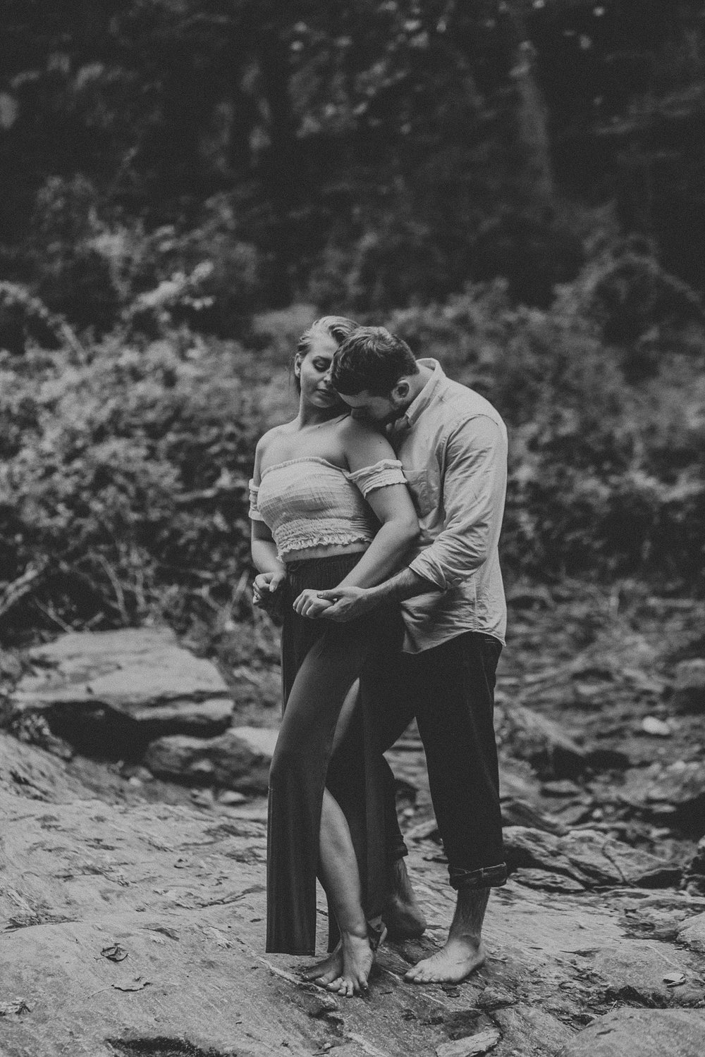Summer Evening Boho Couples Session at Kilgore Falls Waterfalls in Pylesville Maryland_0075.jpg