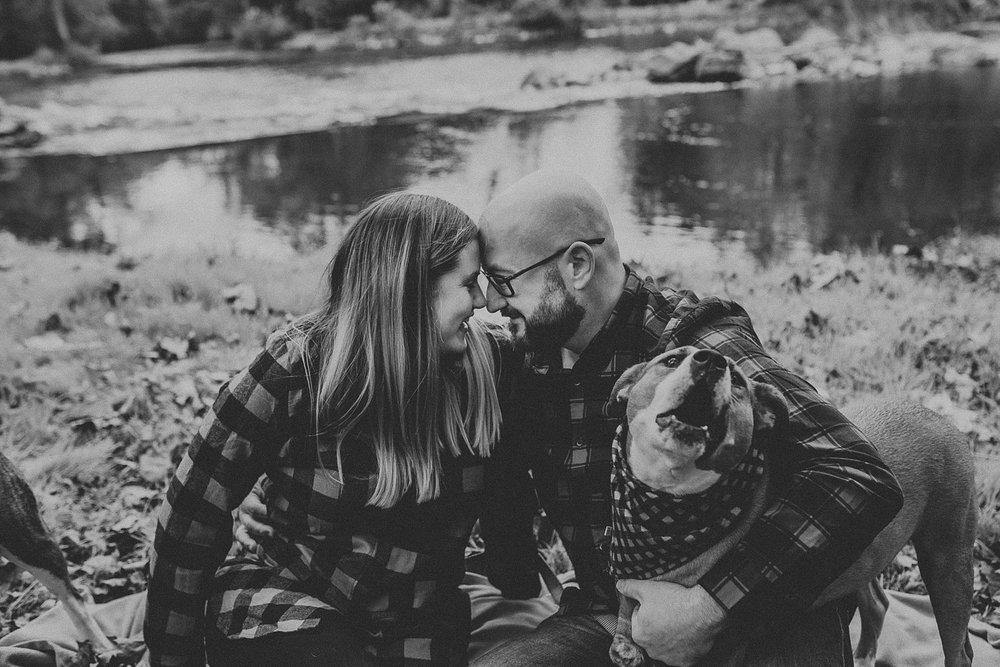Windy Fall Morning Family Love Session at 1181 Creekside Manor in Mechanicsburg Pennsylvania_0285.jpg