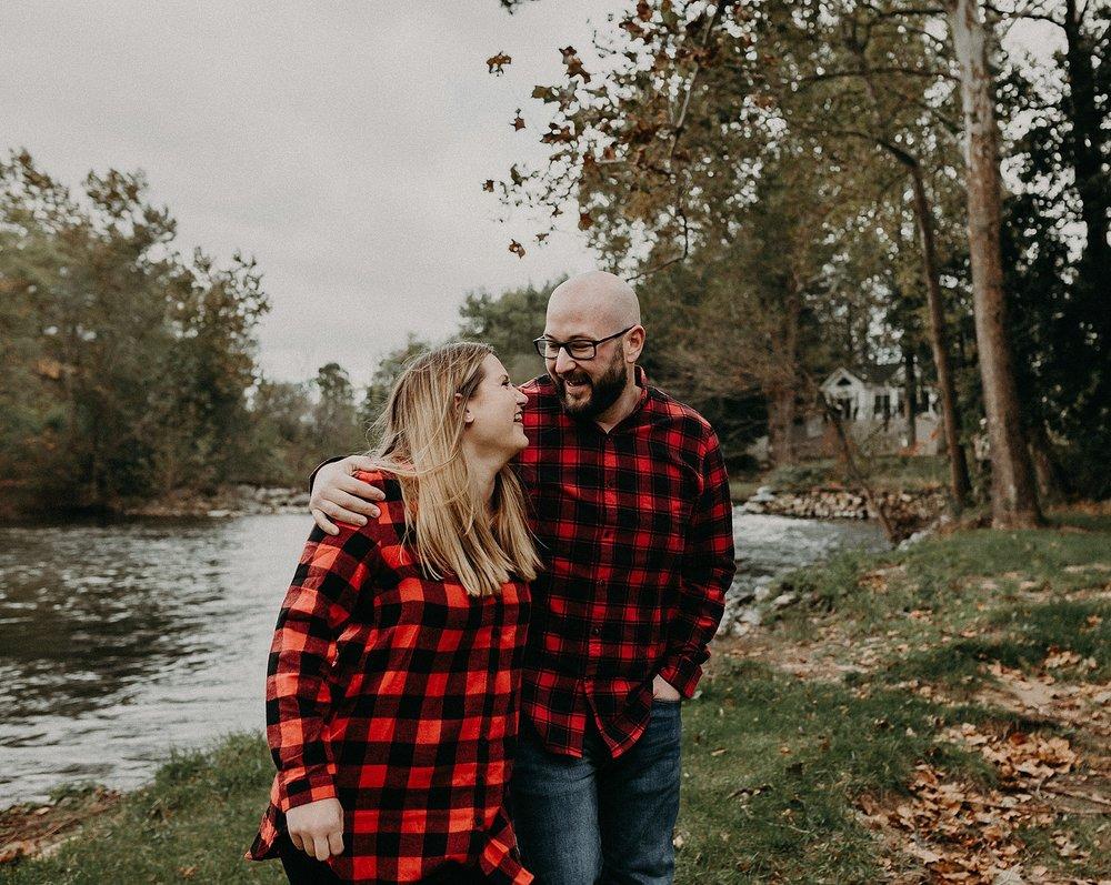 Windy Fall Morning Family Love Session at 1181 Creekside Manor in Mechanicsburg Pennsylvania_0312.jpg
