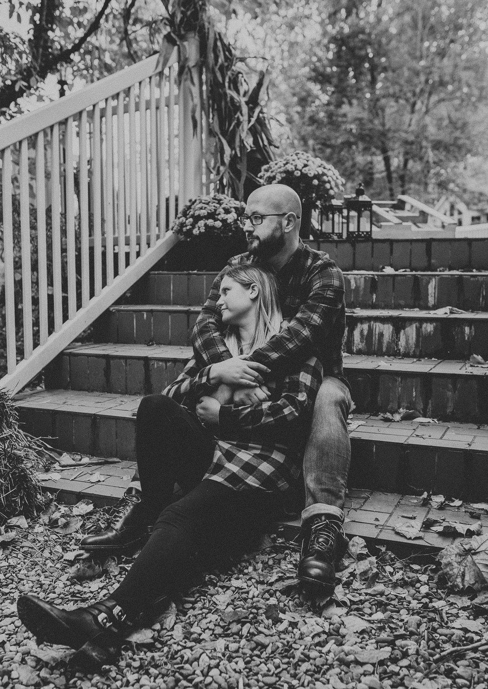 Windy Fall Morning Family Love Session at 1181 Creekside Manor in Mechanicsburg Pennsylvania_0323.jpg