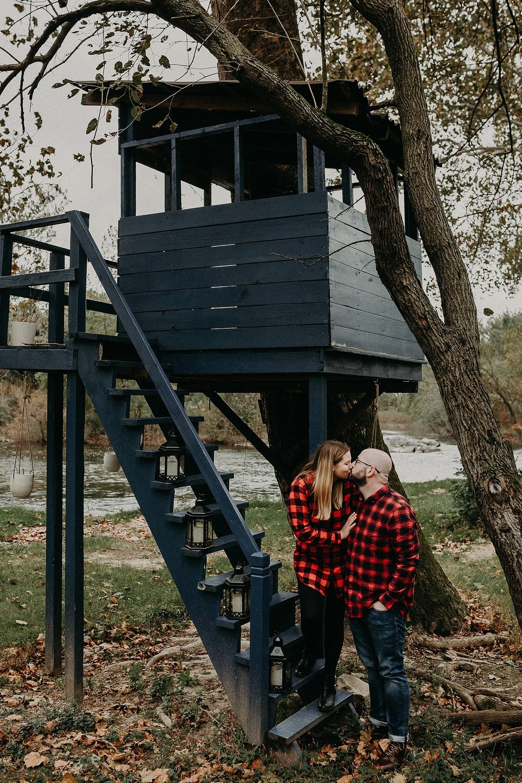 Windy Fall Morning Family Love Session at 1181 Creekside Manor in Mechanicsburg Pennsylvania_0324.jpg