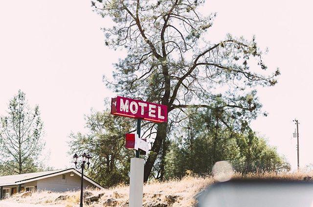Roadtrippin' USA. #roadtrip #roadtrippin #travel #traveling #motel #instatravel #usa #california #imagesupply