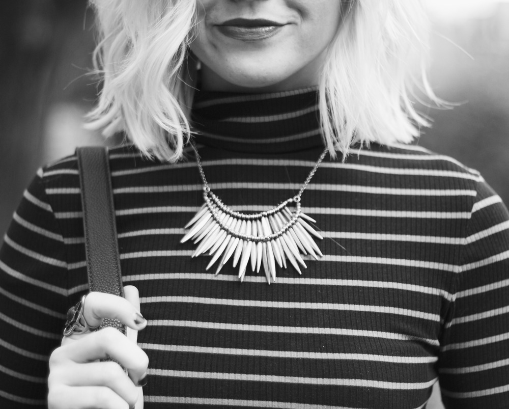 Necklace / Urban Outfitters