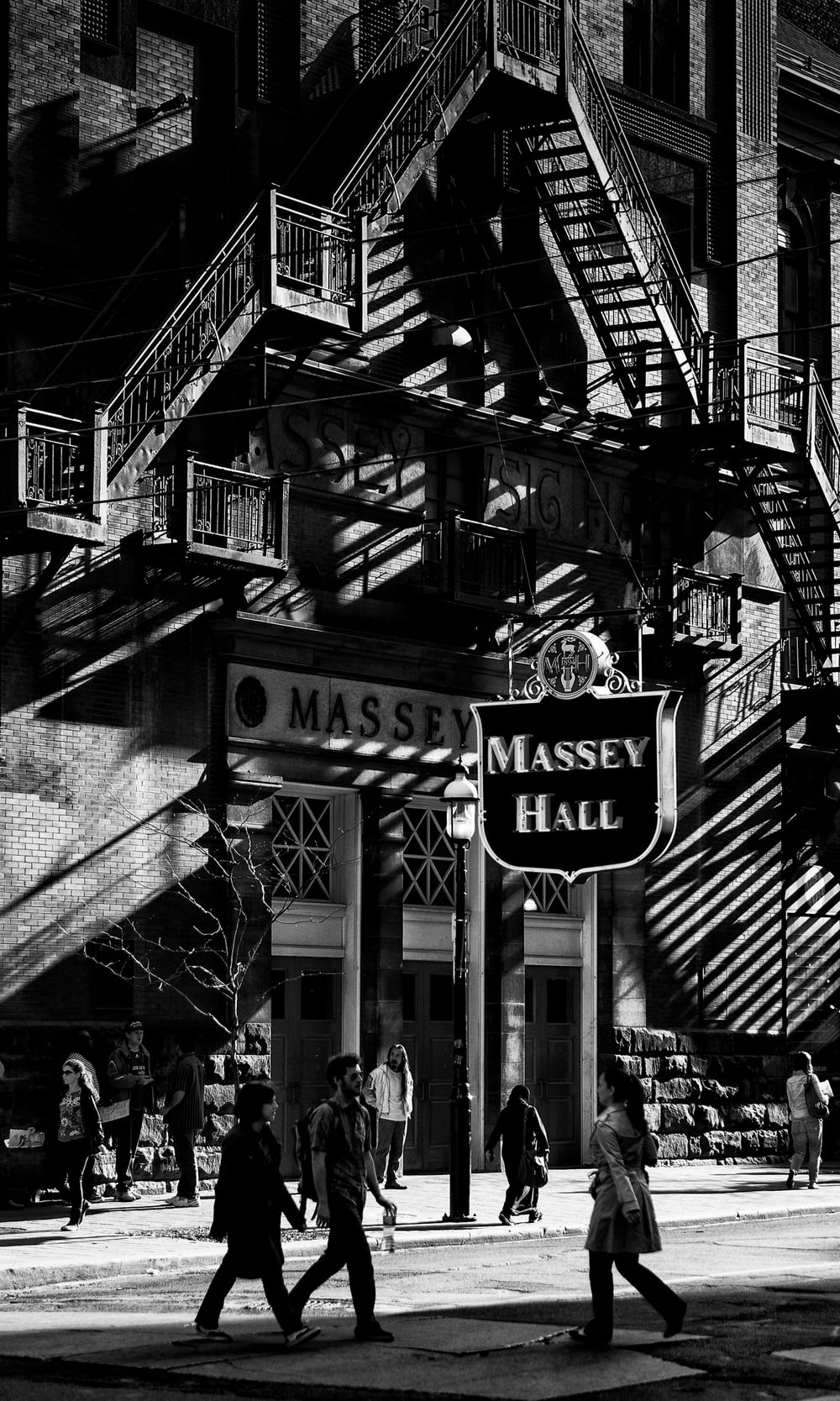 massey-hall_high-con_sunlight_shadow_bw_01.jpg
