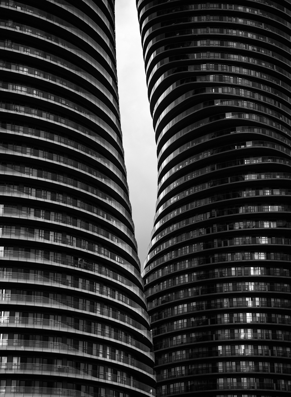 Sam-Javanrouh_monroe_absolute-world_towers_close_bw_01_resize.jpg