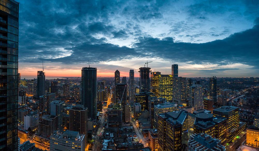 cityscape_night_mel_pano_01.jpg
