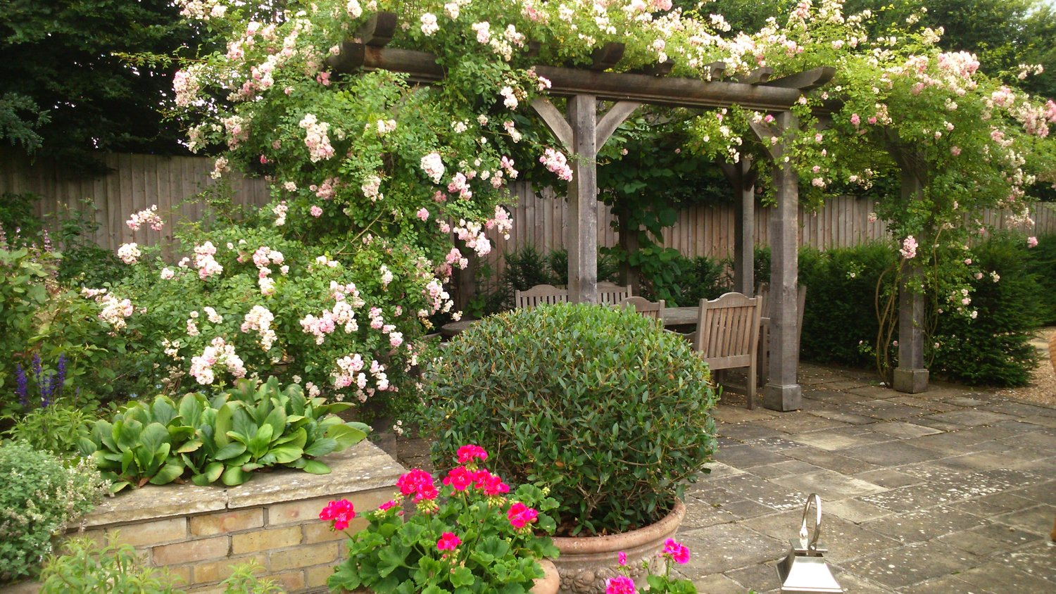 Top Ten Design Ideas For Small Gardens Abbotswood