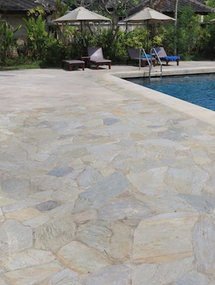 quartzite-crazypave-pool-deck.jpg