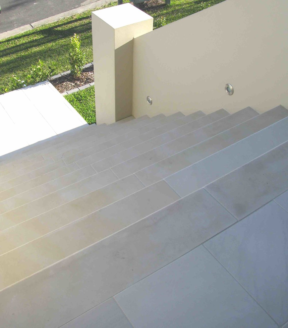 Willow Sandstone Honed - Stairs