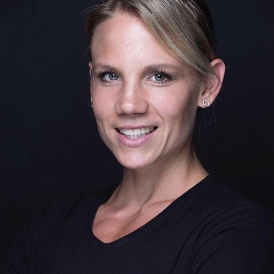 CW Hjælpetræner Michelle Wagner - bikinifitness atlet Baggrund EHFAFitness instruktør EHFA Personlig træner Bachelor i ernæring og sundhed Kompetencer og speciale Vægttab muskelvækst opstramning og toning HIT og konditions træning