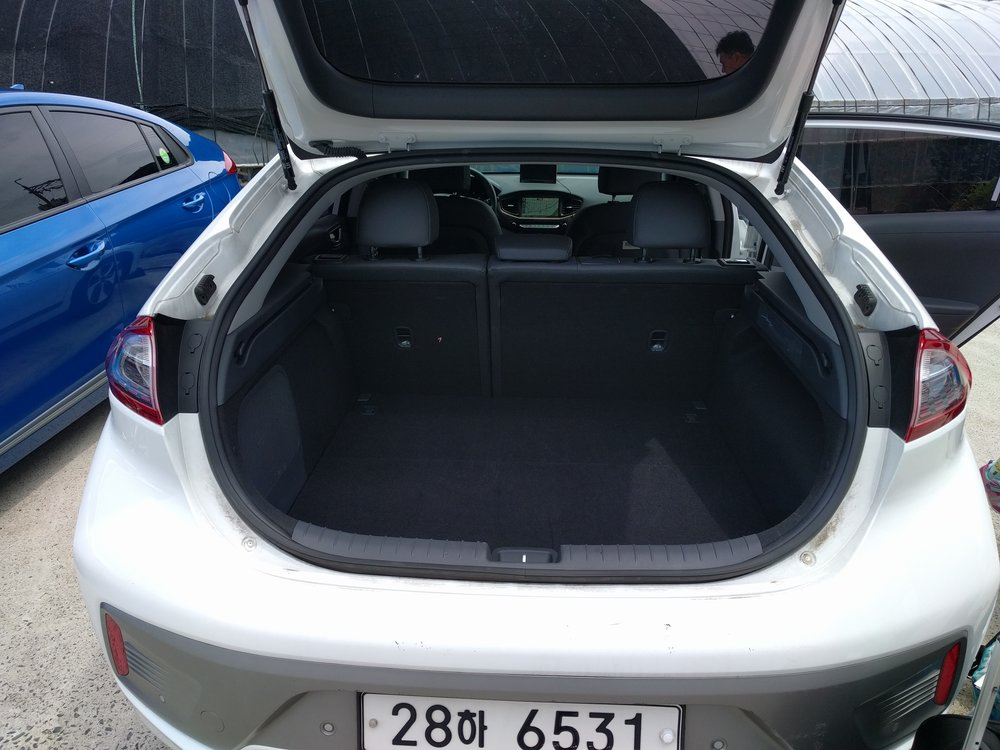 Hyundai Ioniq Electric Trunk