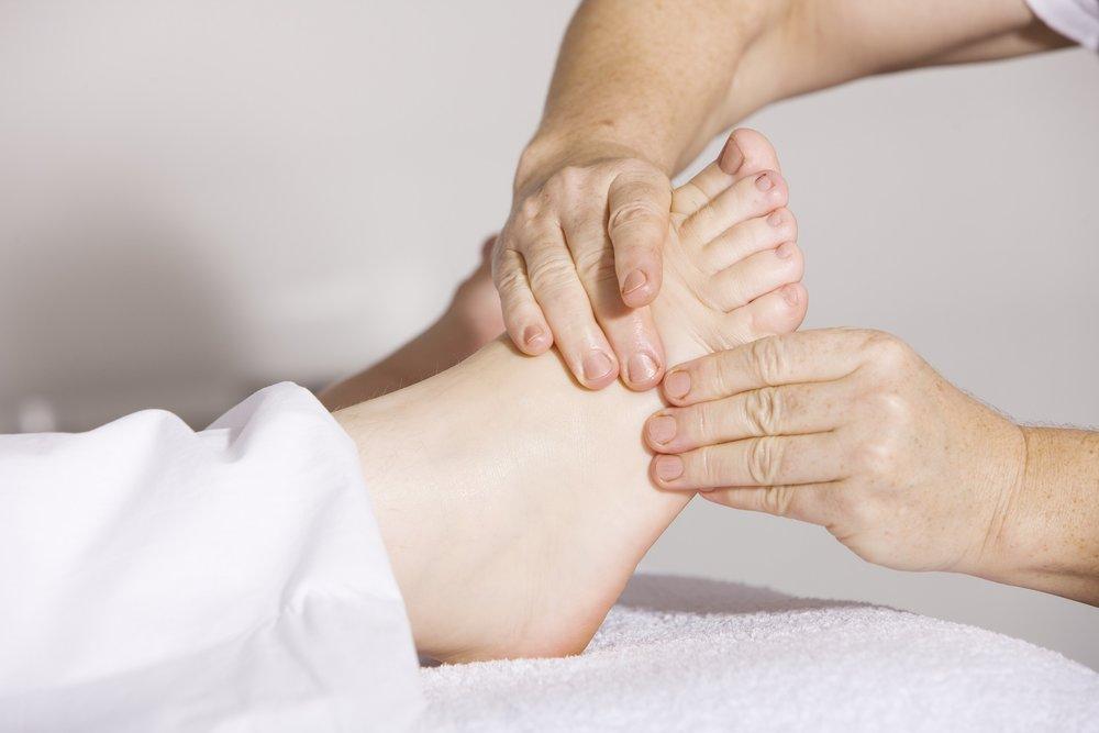 foot massage reflexology pressure points